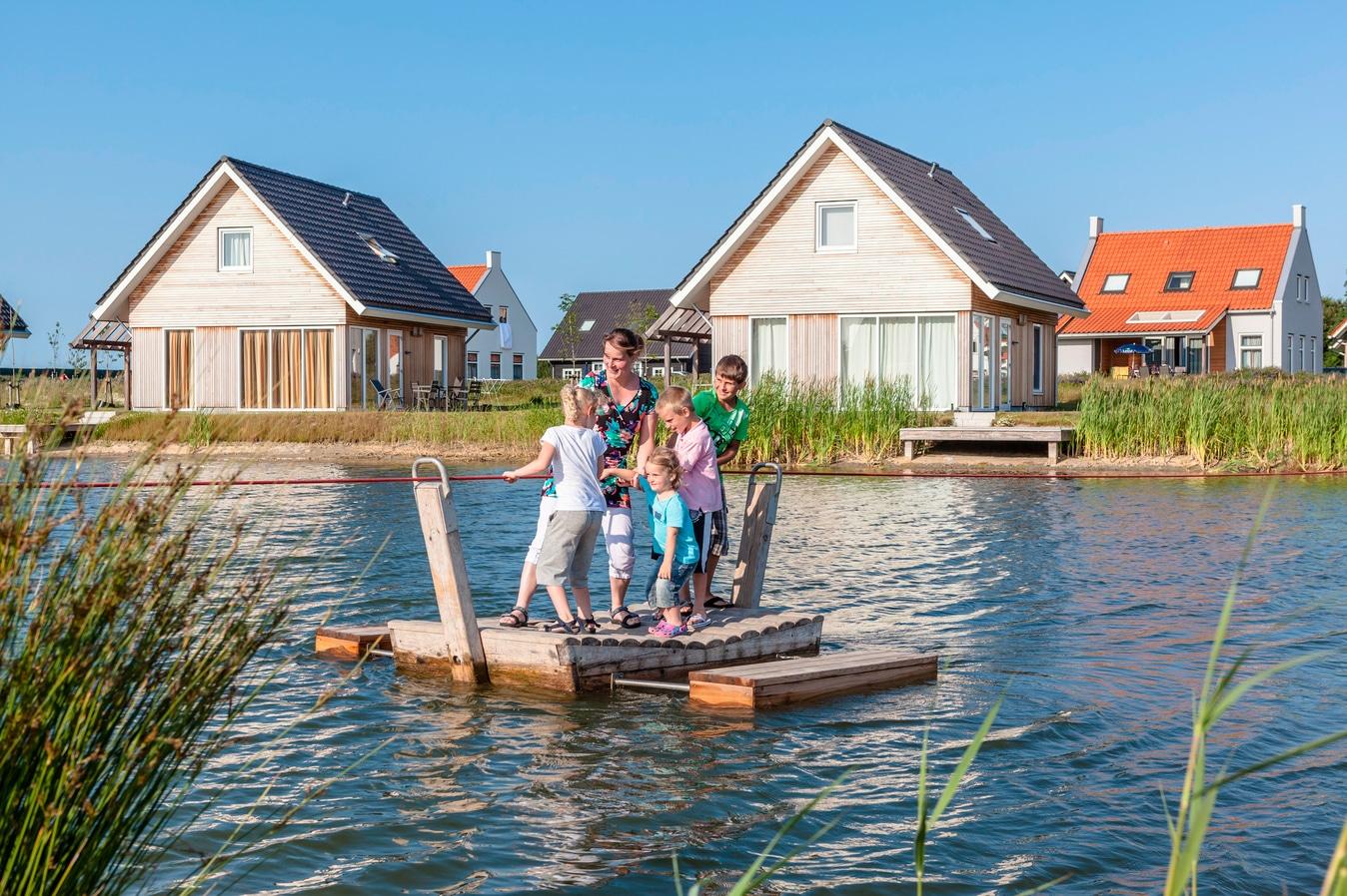 Nieuwvliet Bad waterside villas