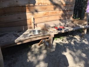 Kinderkookkafe Amsterdam Perfect toddler height mud kitchen