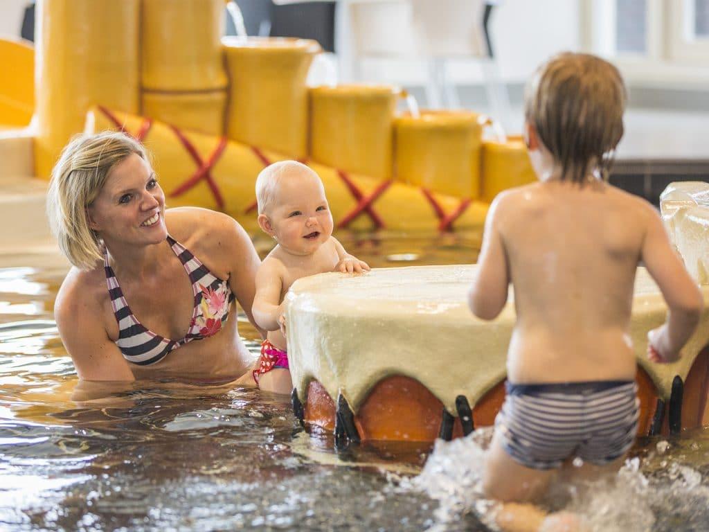 Hof van Saksen Baby Swimming